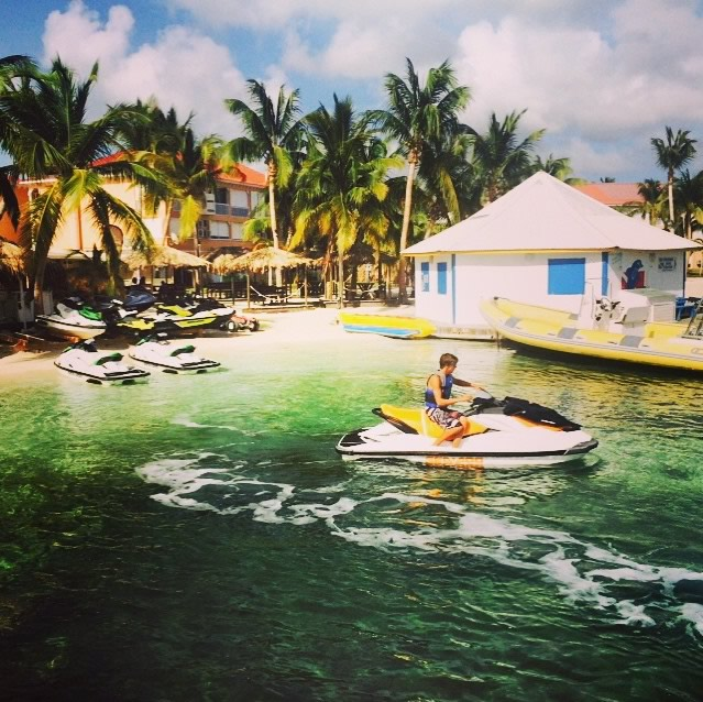 Photos of Aruba appearing on CoolestCarib.Com Caribbean Directory